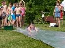 Melina auf der Wasserrutsche